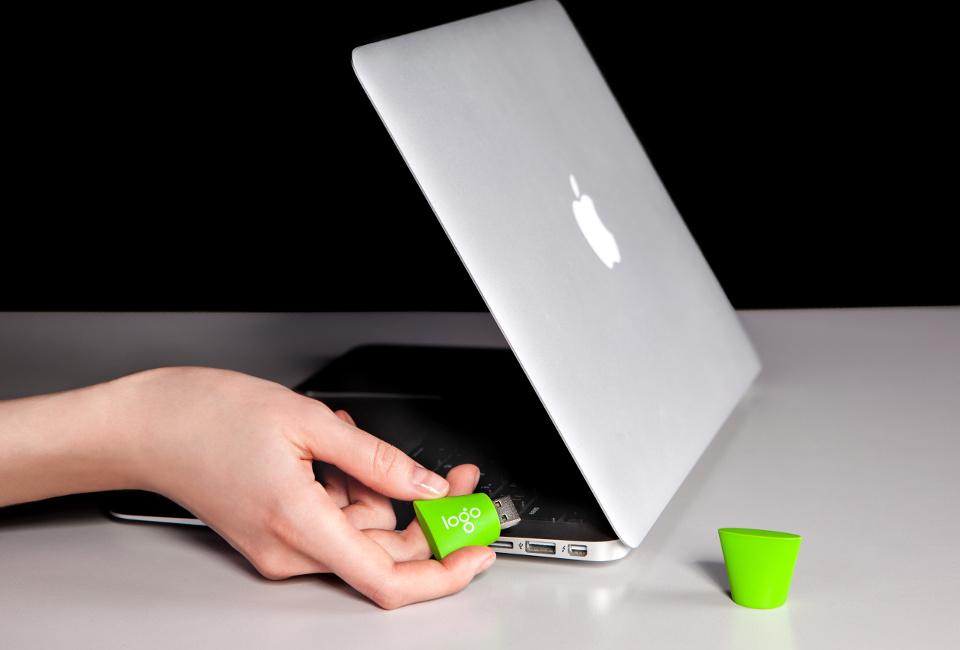 Thumb Drive in Laptop - Green4